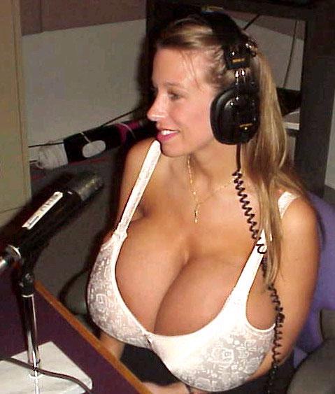 huge_tits1.jpg
